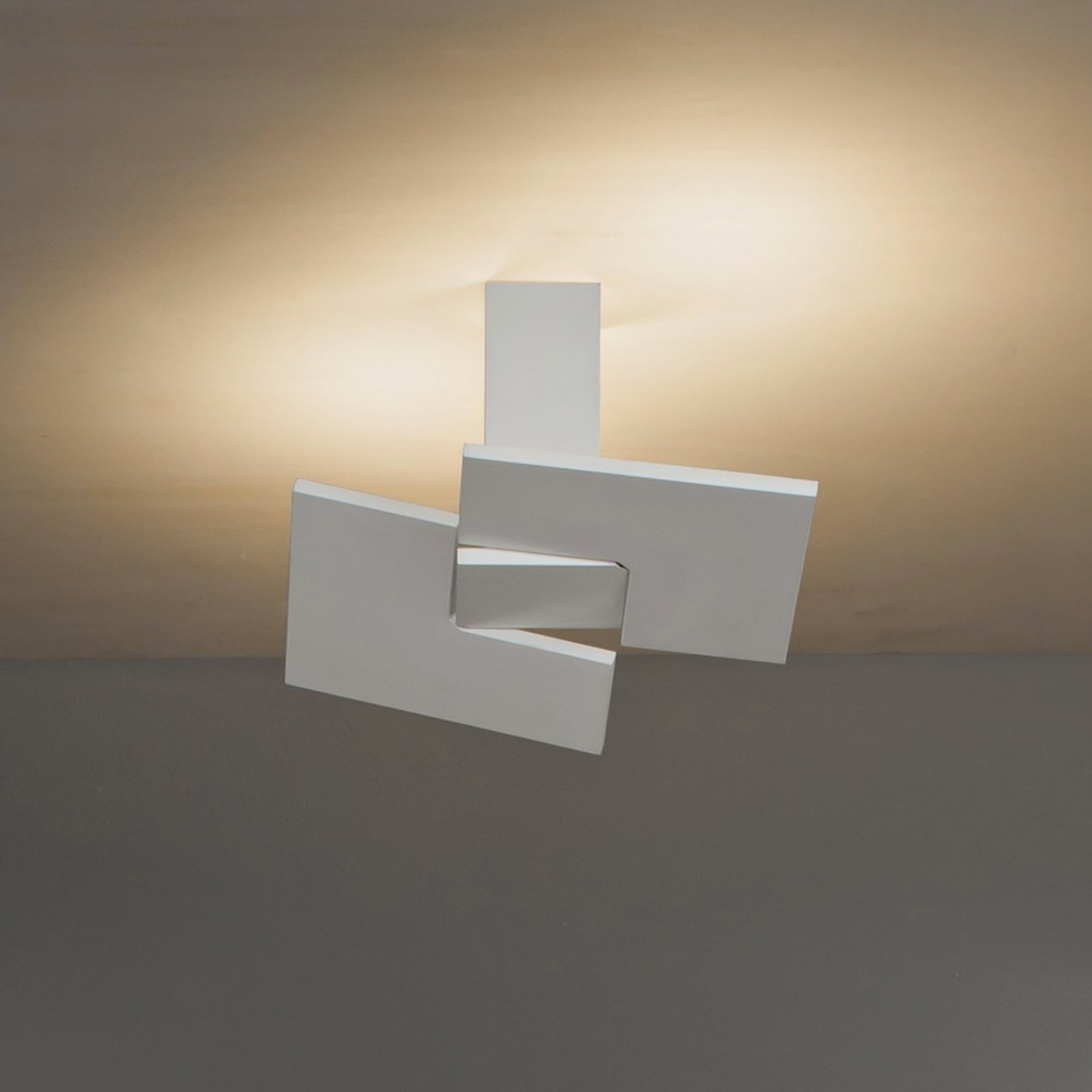 Puzzle twist studio italia design illuminazione for Lampade da studio a led